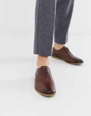 ASOS DESIGN lace up shoes in brown leather with emboss detail - Brown