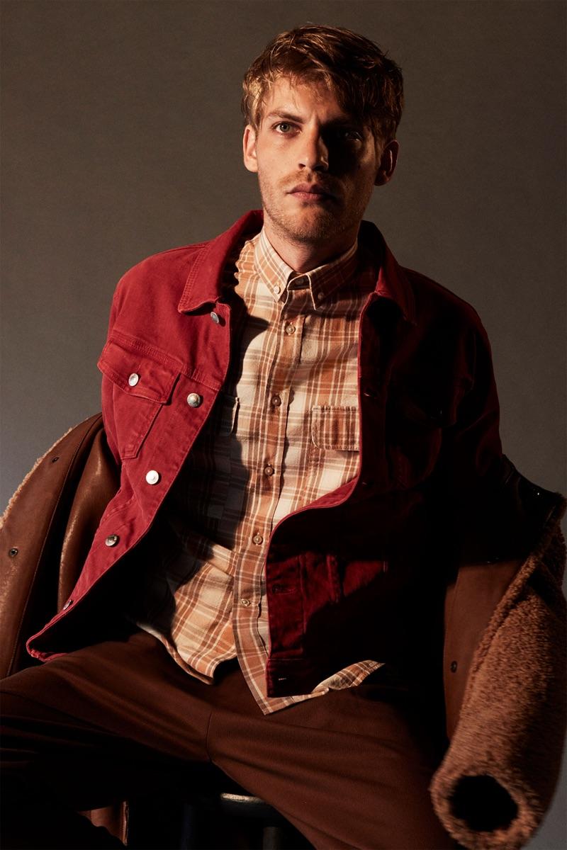 Making a case for autumnal hues, Baptiste Radufe sports a fall look by Zara.