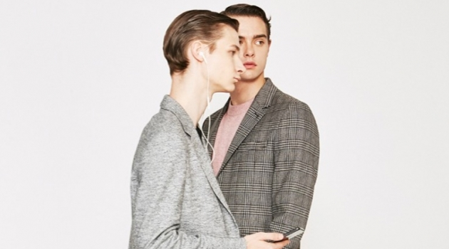On the move, Guillaume D. and Damian Gałkowski star in Comodo Korea's fall-winter 2019 campaign.