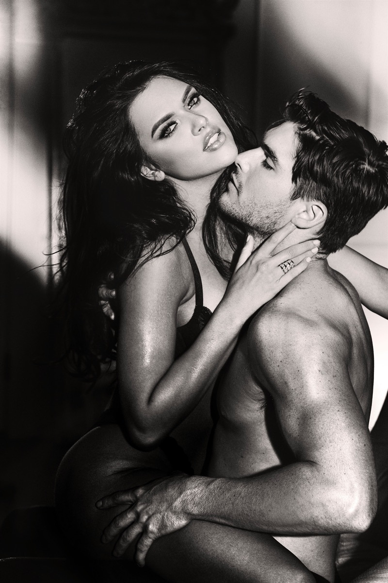 Models Kelsie Smeby and Charlie Matthews front the GUESS Seductive Noir fragrance campaign.