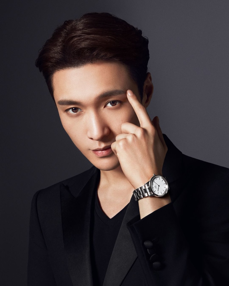 Chinese entertainer Lay Zhang fronts Daniel Wellington's Iconic Link campaign.