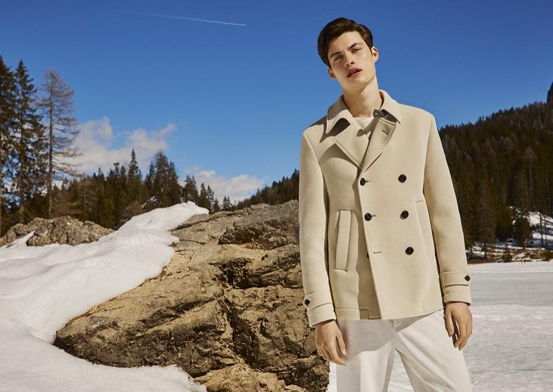 A chic vision in neutrals, Gabriel Daum fronts Manuel Ritz's fall-winter 2019 campaign.