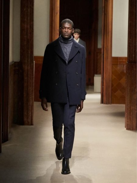 Massimo Dutti Unveils Fall '19 Runway Collection