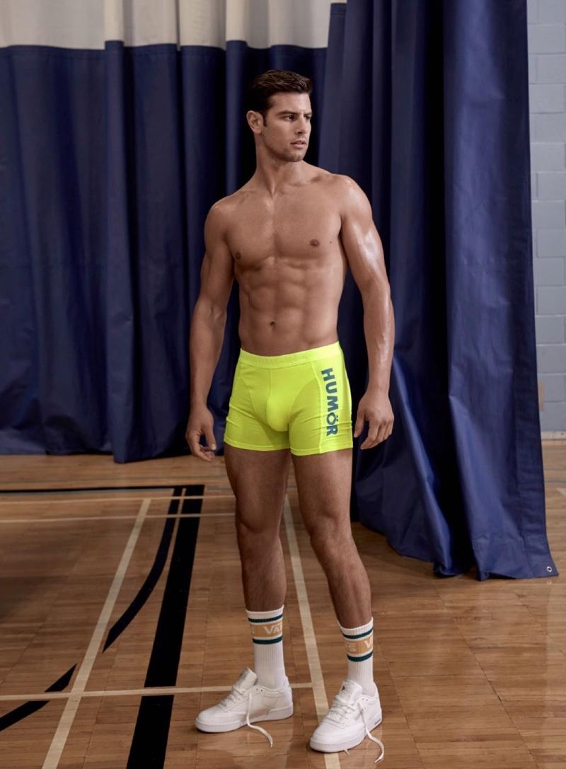 Franky Cammarata stands out in neon yellow Humör underwear.