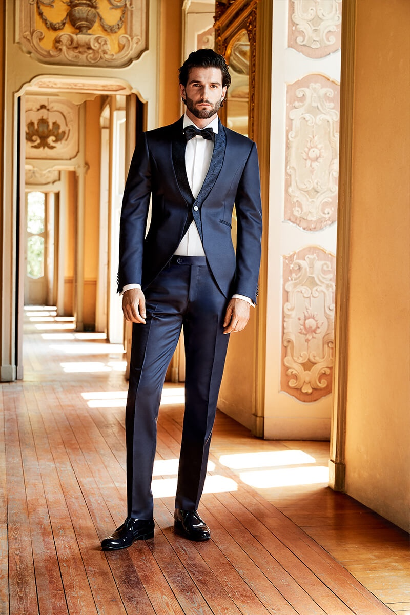 Andrea Melchiorre dons a sharp tuxedo from Lubiam 1911 Cerimonia's spring-summer 2020 collection.