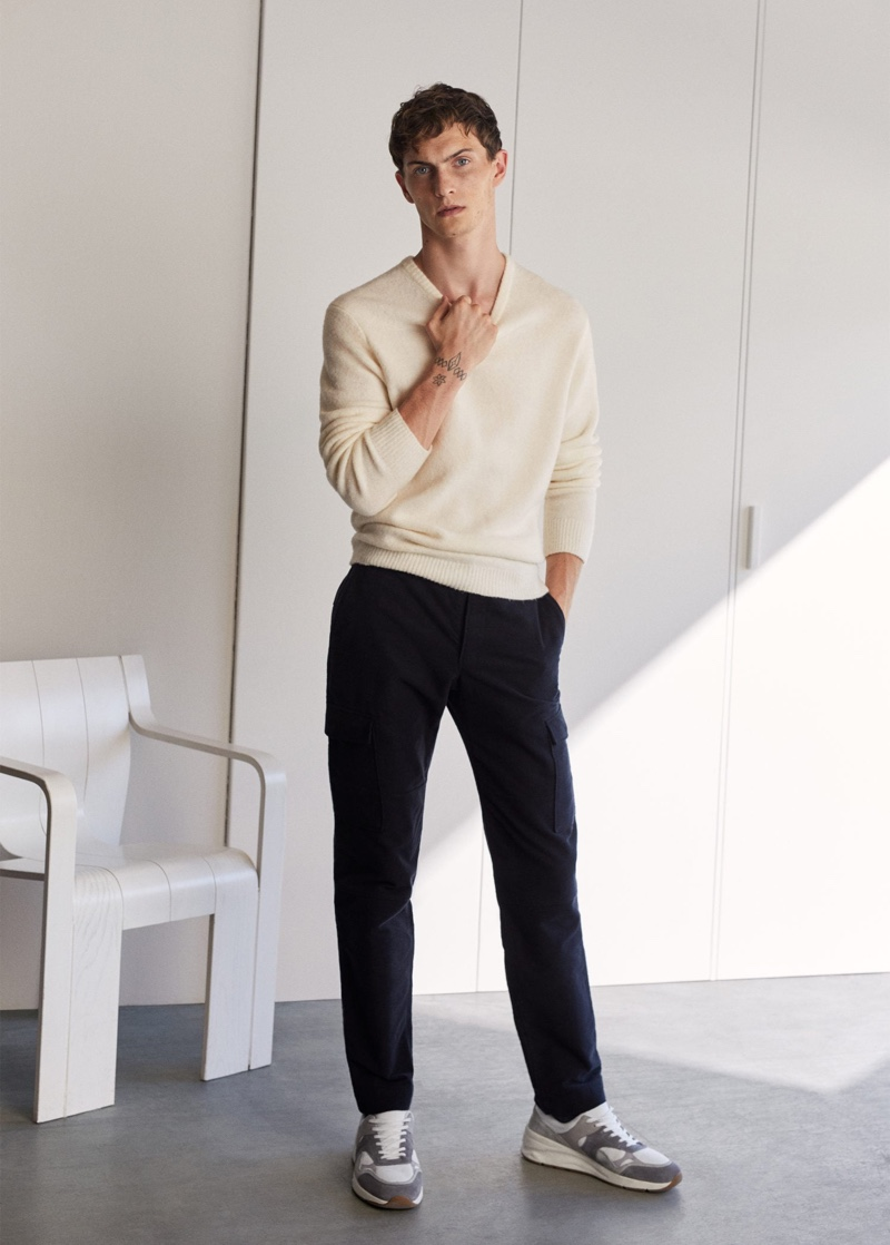 Front and center, Luc Defont-Saviard wears Mango.