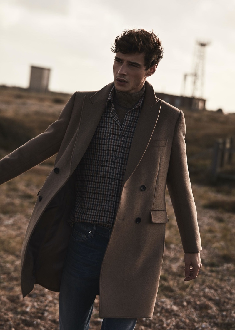 Adrien Sahores dons Reiss'  Milton wool-blend double-breasted camel coat $620.