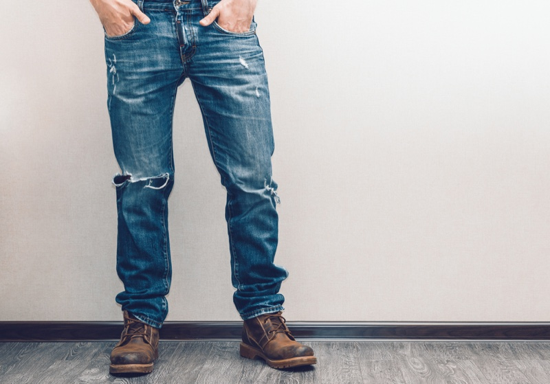Relaxed Jeans Distressed Man Boots