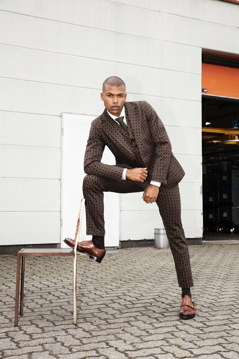 Maurice Jabar Werner dons a patterned three-piece suit for Wormland's fall-winter 2019 campaign.