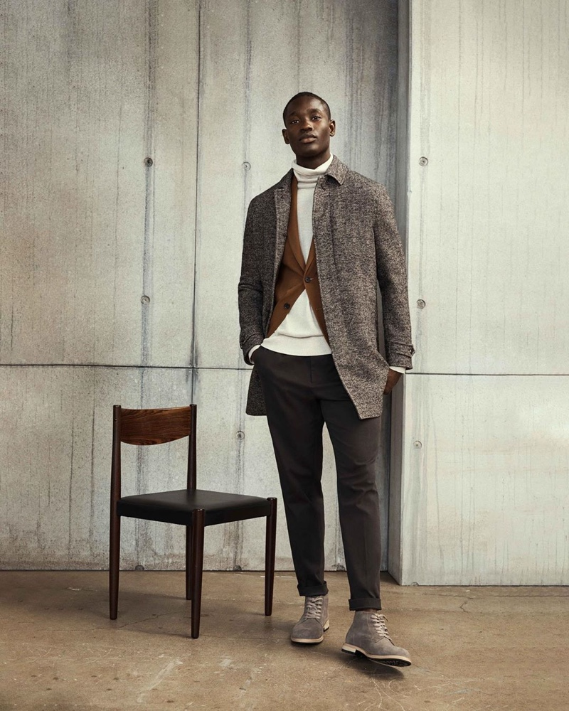 Model Charles Oduro inspires in a fall-winter 2019 ensemble from Banana Republic.