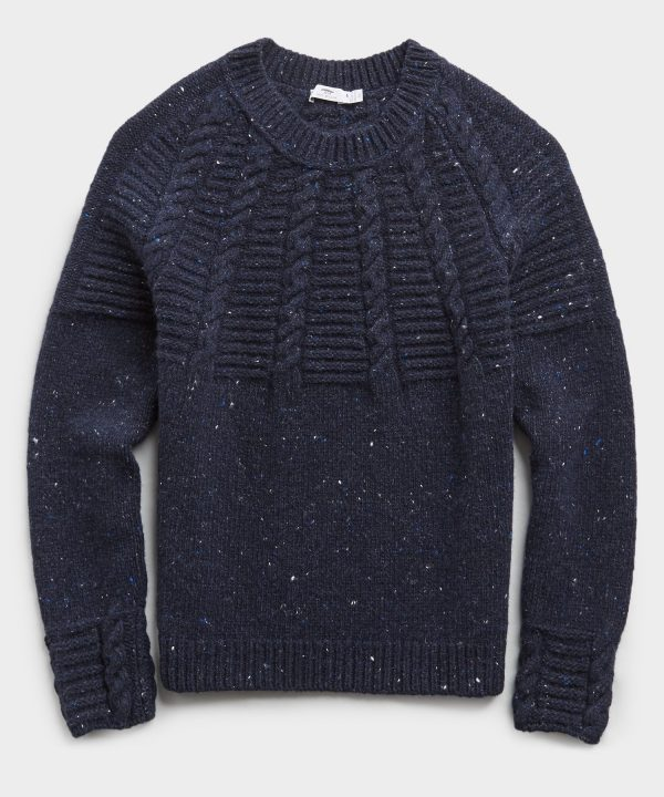 Inis Meain Raglan Cable Crewneck Sweater in Navy