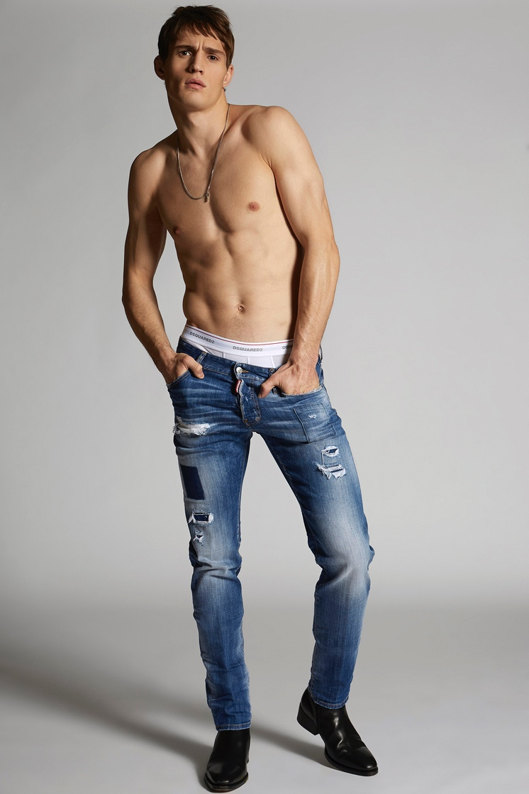 Julian Schneyder rocks Dsquared2's Blue Square Cool Guy jeans.
