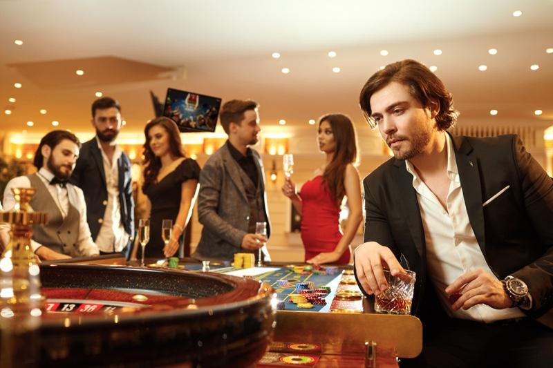 Luxury Casino Man Suit Roulette