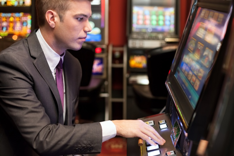 5 Games to Play at a Casino | The Fashionisto