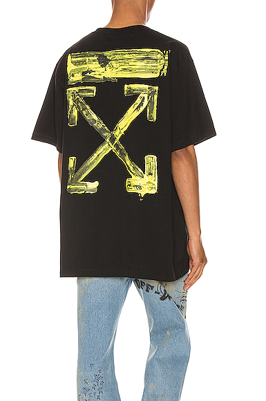 OFF-WHITE Acrylic Arrows Tee in Black