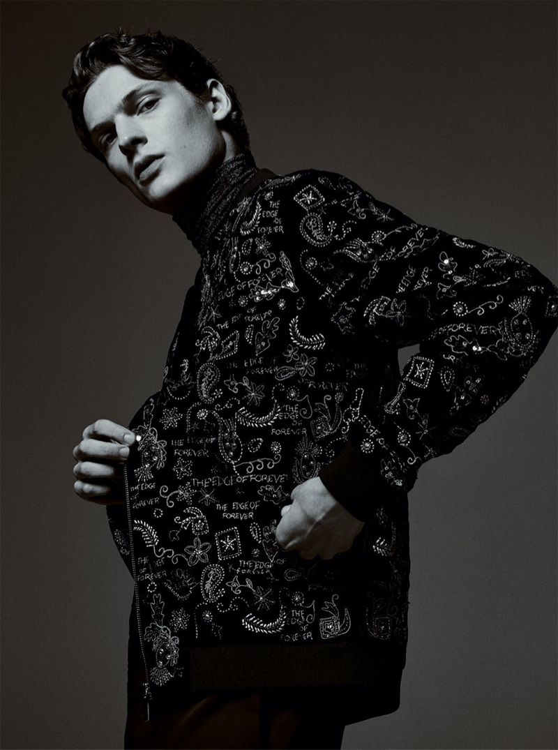 Sporting a printed jacket, Valentin Caron reunites with Zara for an editorial.