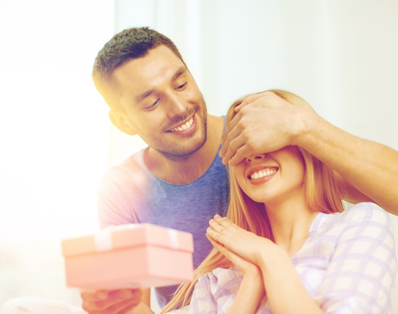 Boyfriend Surprising Girlfriend Gift Box