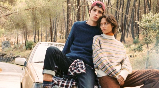 Models Oscar Kindelan and Charlotte Carey Tampubolon come together for a Xmas Story from Pepe Jeans.