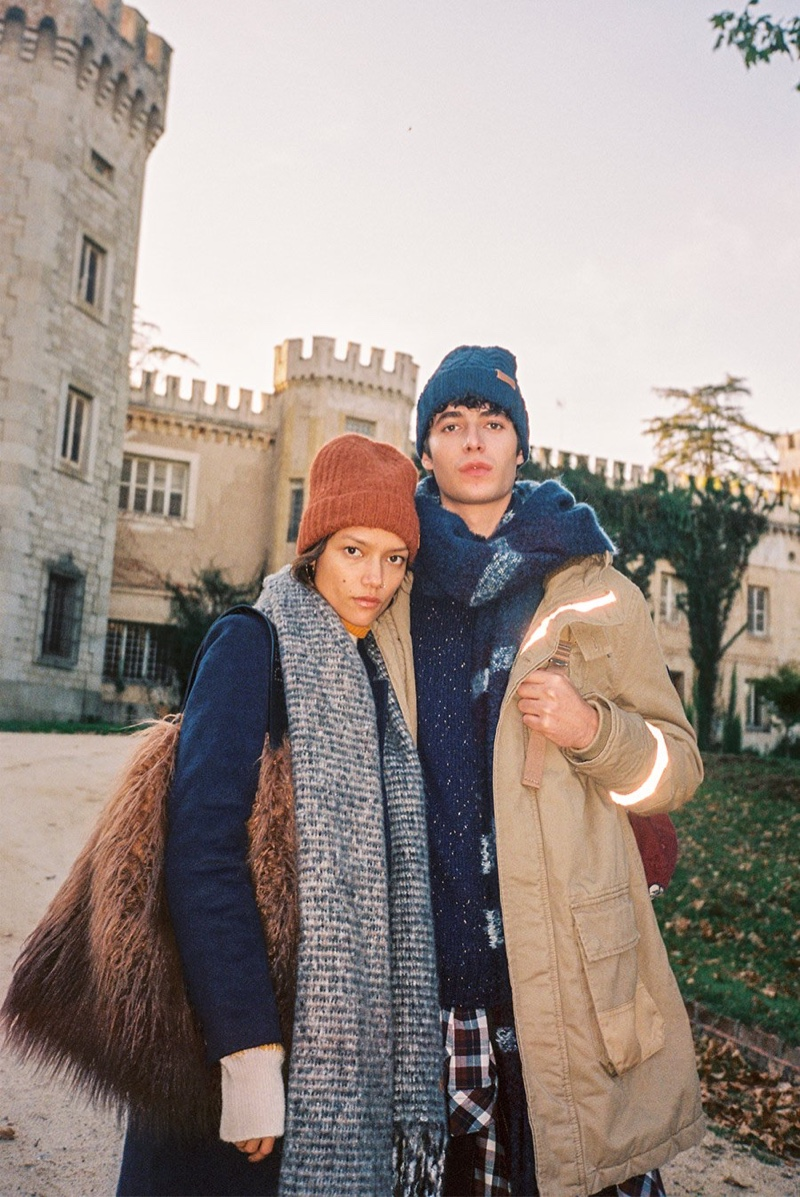 Dressed for the cold, Charlotte Carey Tampubolon and Oscar Kindelan come together in warm layers from Pepe Jeans.
