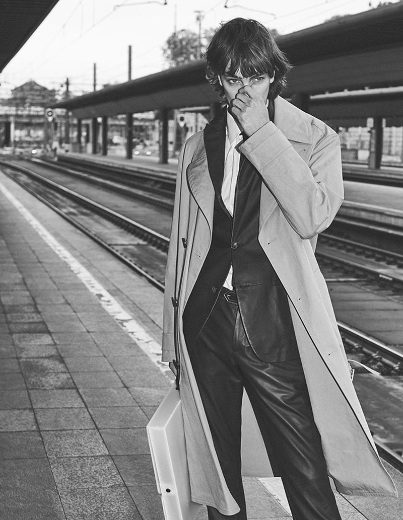 Thomas Riguelle Dons Smart Winter Style for Dlui la Repubblica