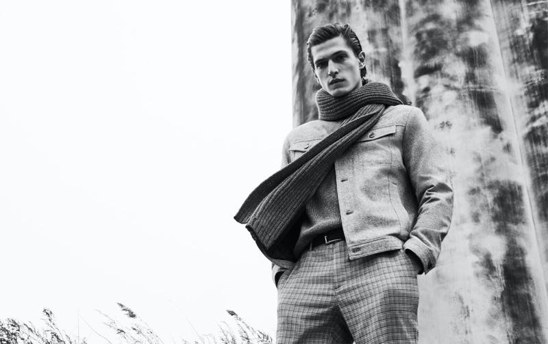 Edoardo Sebastianelli models a straight-cut jacket from Zara's fall-winter 2019 collection.