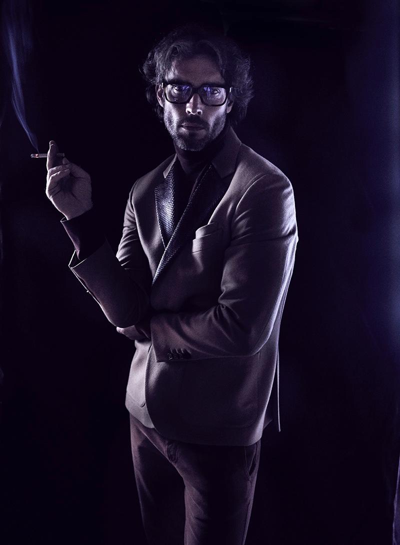 Donny wears jacket Billionaire, glasses Yves Saint Laurent, sweater and pants Canali.