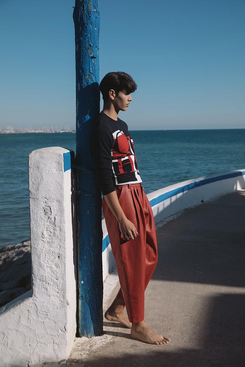 Sergio wears sweater Carolina Herrera and pants Lorenzo Martinez.