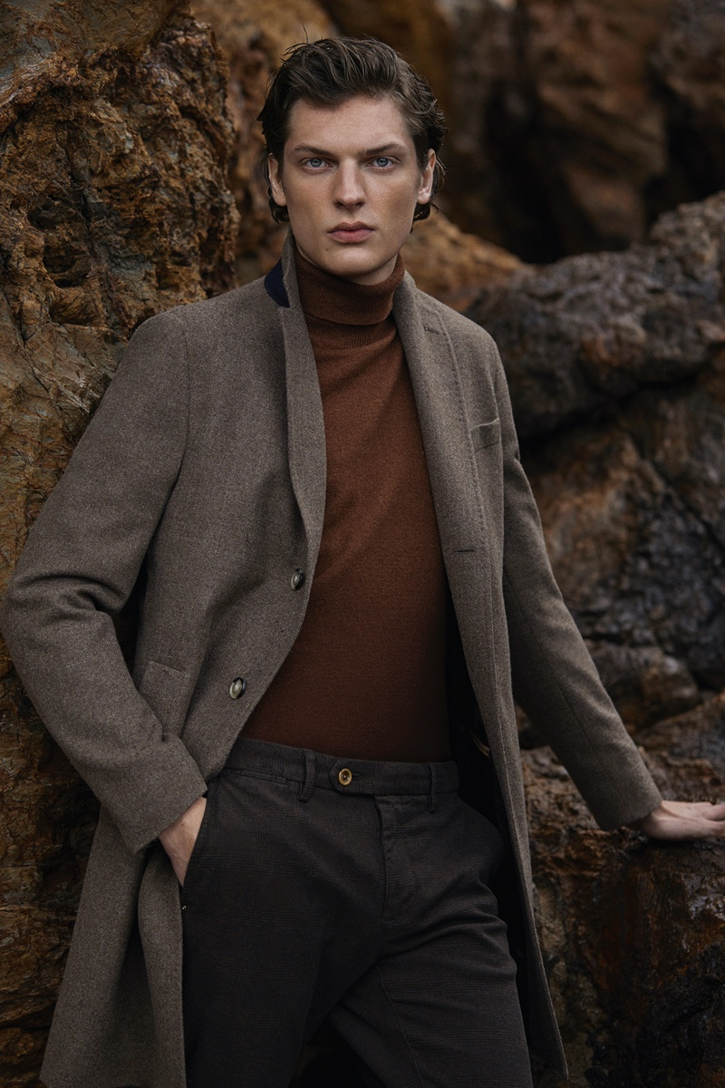 Pablo Saez photographs Valentin Caron in a look from Massimo Dutti.