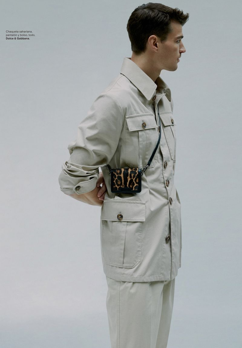 Arran Sly Takes Hold of Statement Bags for Icon El País