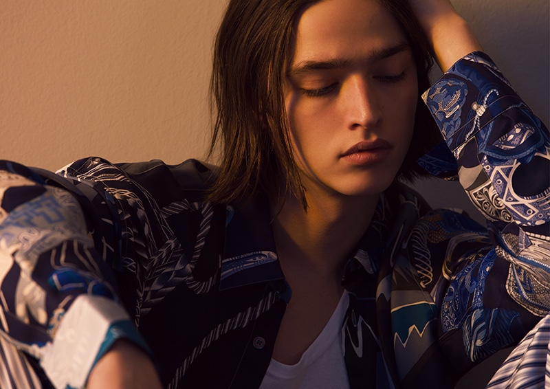 Mixing patterns, Maël dons sleek pieces from Hermès' spring-summer 2020 collection.
