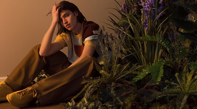 Fresh face Maël dons a casual but refined look from Hermès' spring-summer 2020 collection.