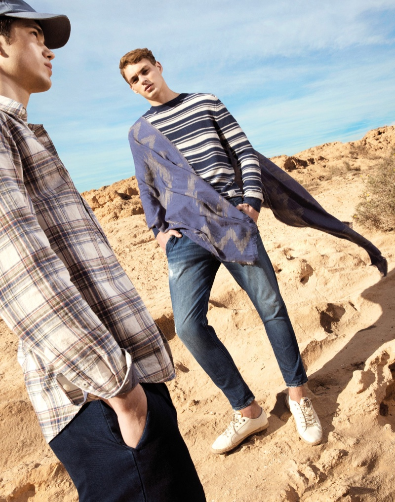 Sam Steele and Dani van de Water showcase casual spring style by Pepe Jeans.
