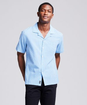 Camp Collar Seersucker Stripe Short Sleeve Shirt in Light Blue