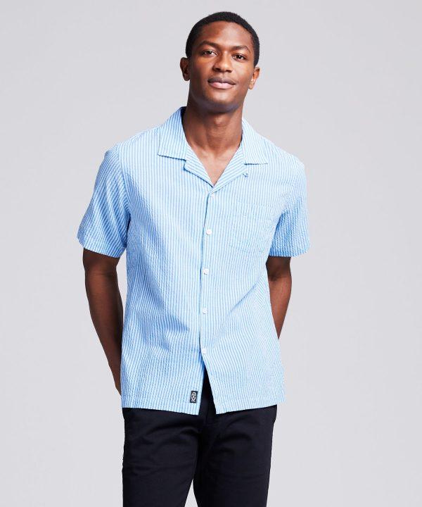 Camp Collar Seersucker Stripe Short Sleeve Shirt in Light Blue