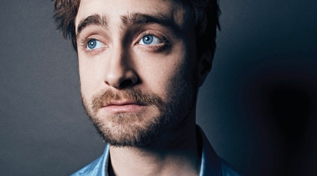 Actor Daniel Radcliffe connects with Esquire México for its March 2020 issue. He dons a blue shirt by Versace.