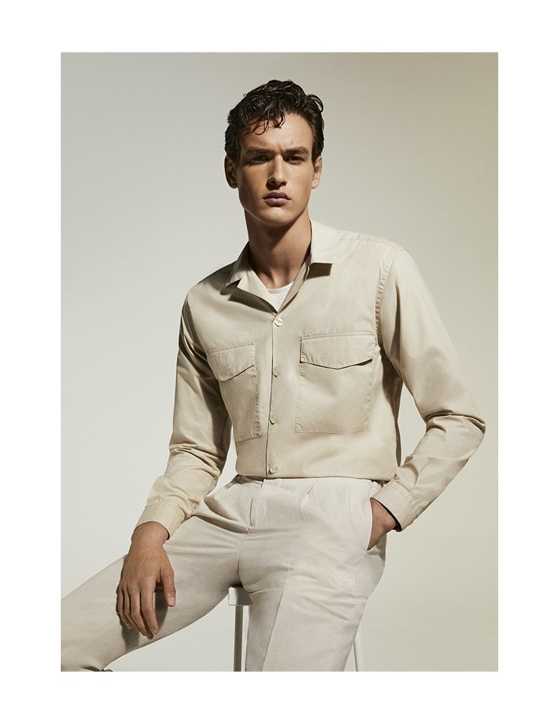 Jegor Venned is a chic vision in a neutral-colored ensemble for Liu Jo Uomo's spring-summer 2020 campaign.