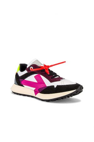 OFF-WHITE Arrow Sneakers in White,Pink
