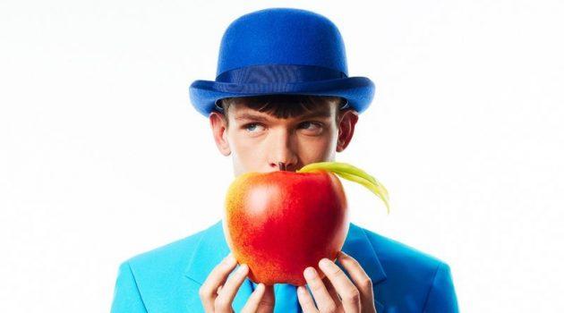 Elliott Goes Artsy for Colorful GQ Portugal Story