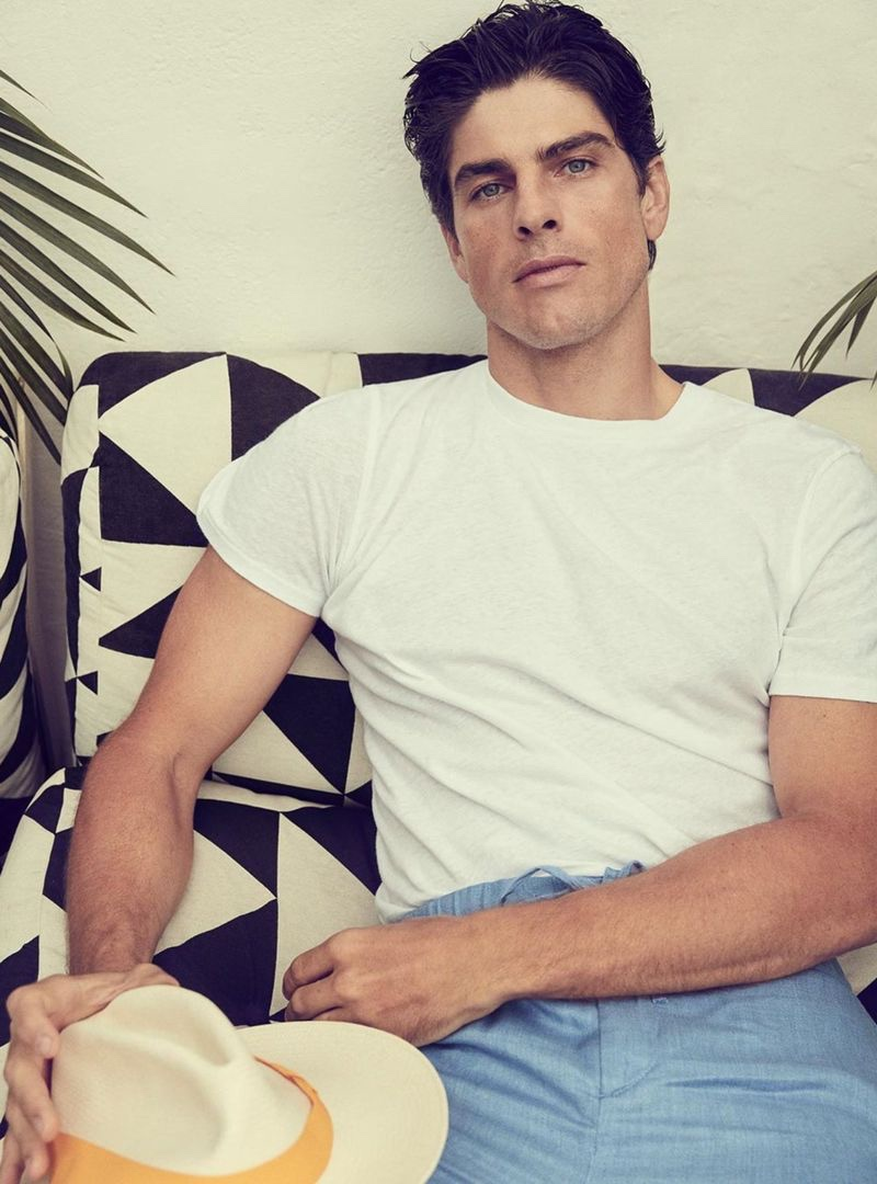 Brazilian fashion brand Frescobol Carioca enlists Evandro Soldati as the star of its spring-summer 2020 campaign.