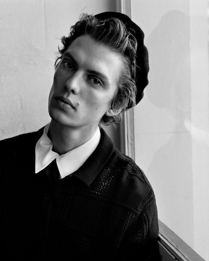 Leon Dons Sleek Style for L'Uomo Vogue Cover Shoot