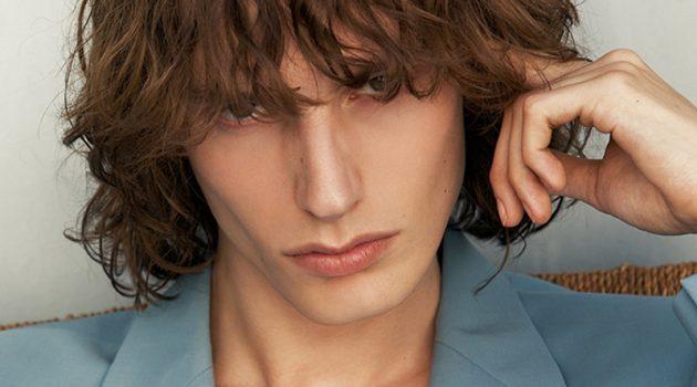 Fringe Worthy: Casper Dons Sandro