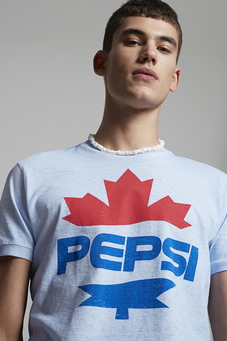DSQUARED2 Men Short sleeve t-shirt Sky blue Size M 100% Cotton