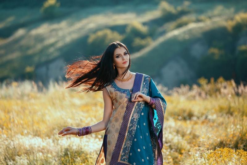 Indian Model Traditional Dress Fashion Field