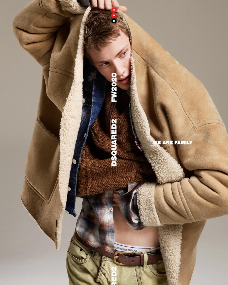 Embracing autumnal tones, Braien Vaiksaar fronts Dsquared2's fall-winter 2020 men's campaign.