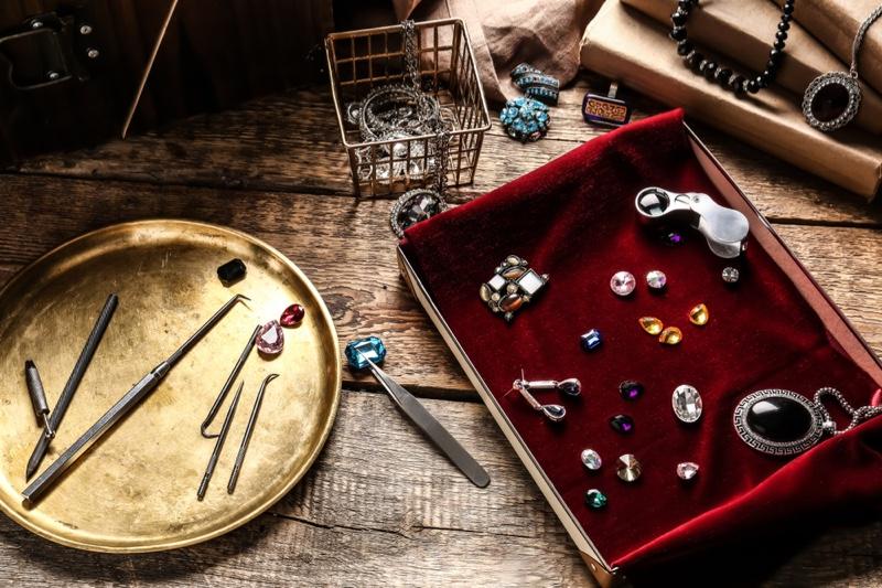 Gemstones Jeweler Box Tools