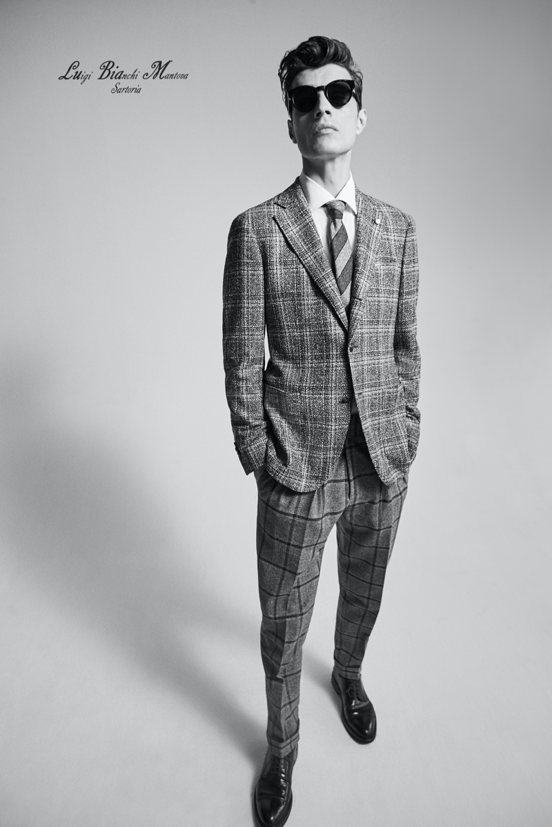 Adrien Sahores mixes prints in a dapper suiting number from Luigi Bianchi Mantova's fall-winter 2020 collection.