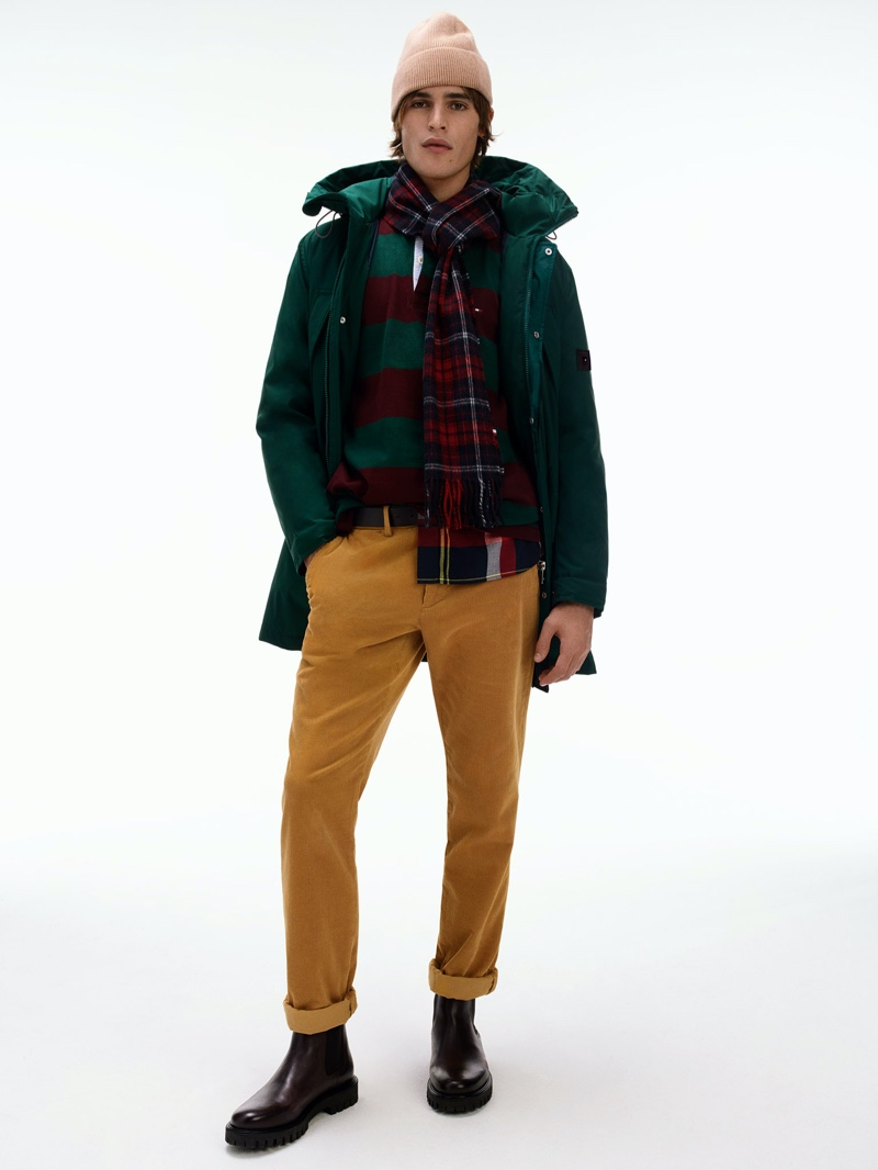 Dutch model Parker van Noord layers in fall-winter 2020 fashions from Tommy Hilfiger.