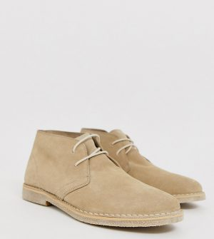 ASOS DESIGN Wide Fit desert chukka boots in stone suede