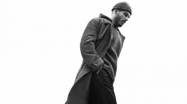 Model David Alexander Flinn steps out in a fall look from Zara Man.