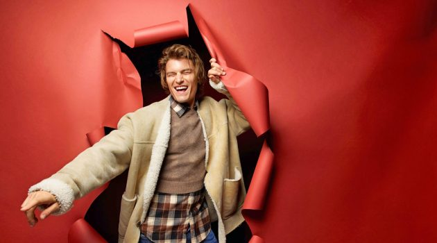 The Smart Direction: Oliver Stars in Corriere della Sera Style Cover Shoot